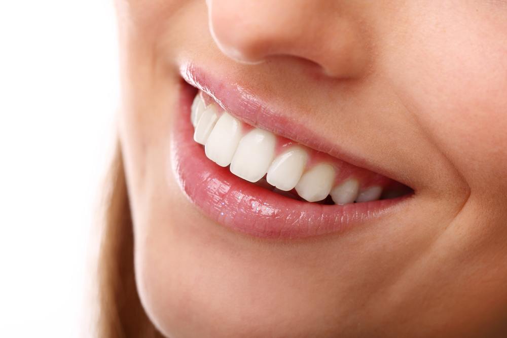Daily Habits that Promote a Whiter Smile